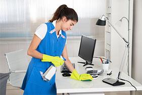 Irodák takarítása